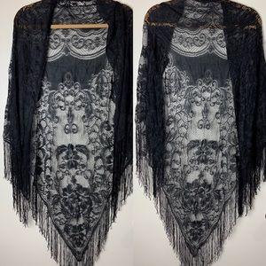 Vintage lace fringe wrap shawl boho crochet black